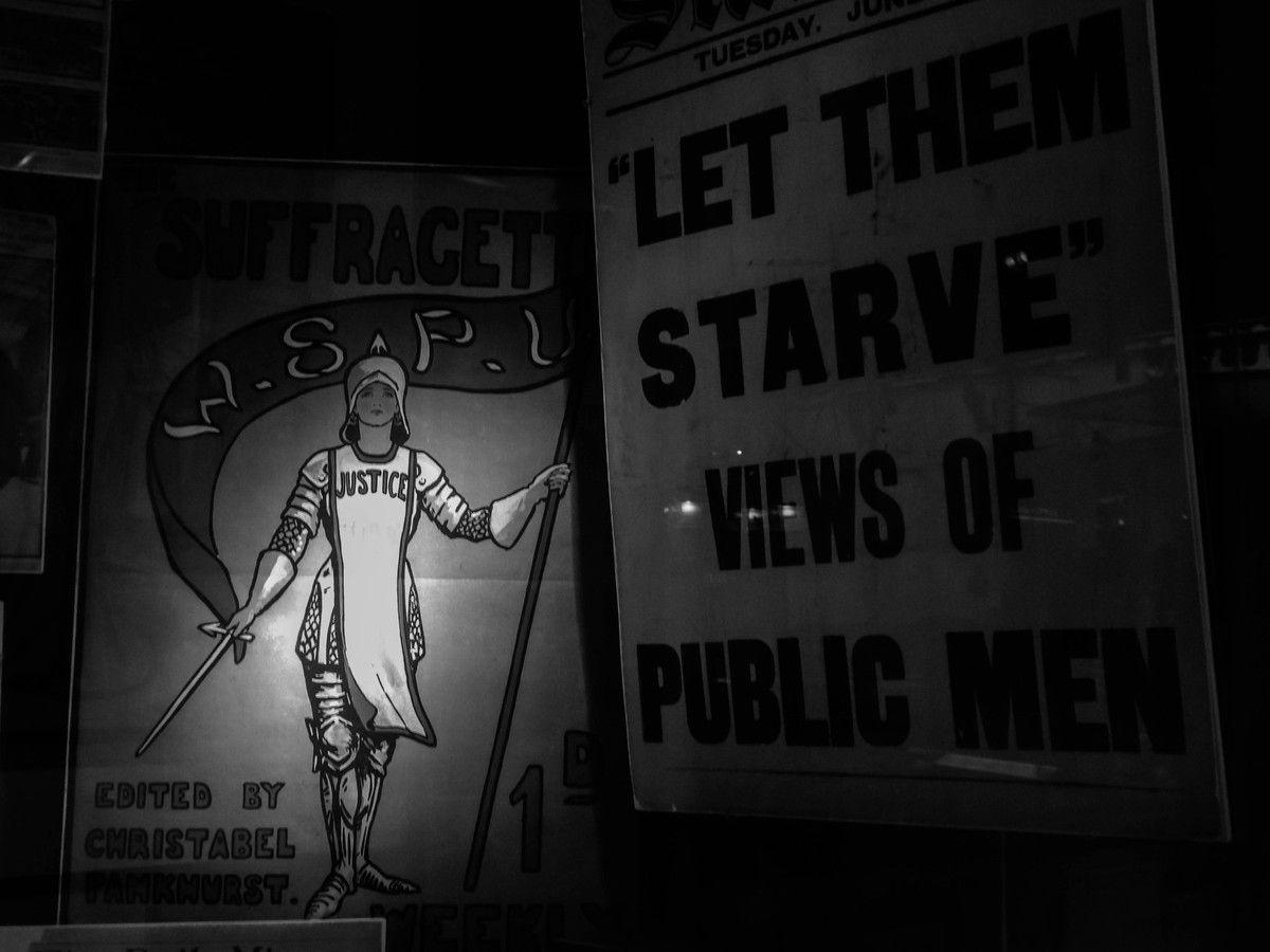 Une section dédiée aux luttes des suffragettes.