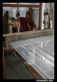 Machine à tisser le tissu d Or pour robe Mensouj, ancienne tradition de Tlemcen jusqu à aujourd hui