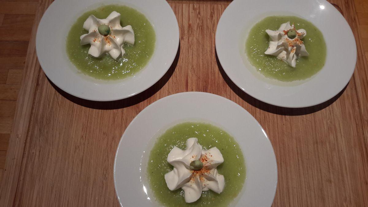 Coulis de tomates vertes et sa chantilly camembert