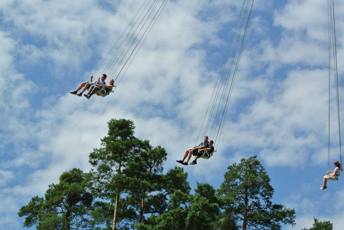 Holiday Park &amp&#x3B; Sky Scream