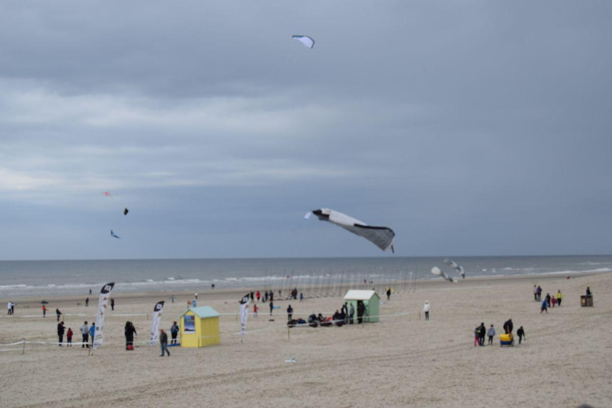 30 ième anniversaire du festival international ( plus de 20 nations ) du cerfs-volants de Berck-sur-Mer ( pendant 10 jours )