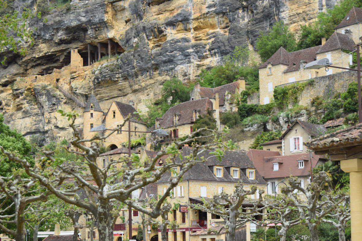Un des plus beaux villages de France, devinez lequel ?
