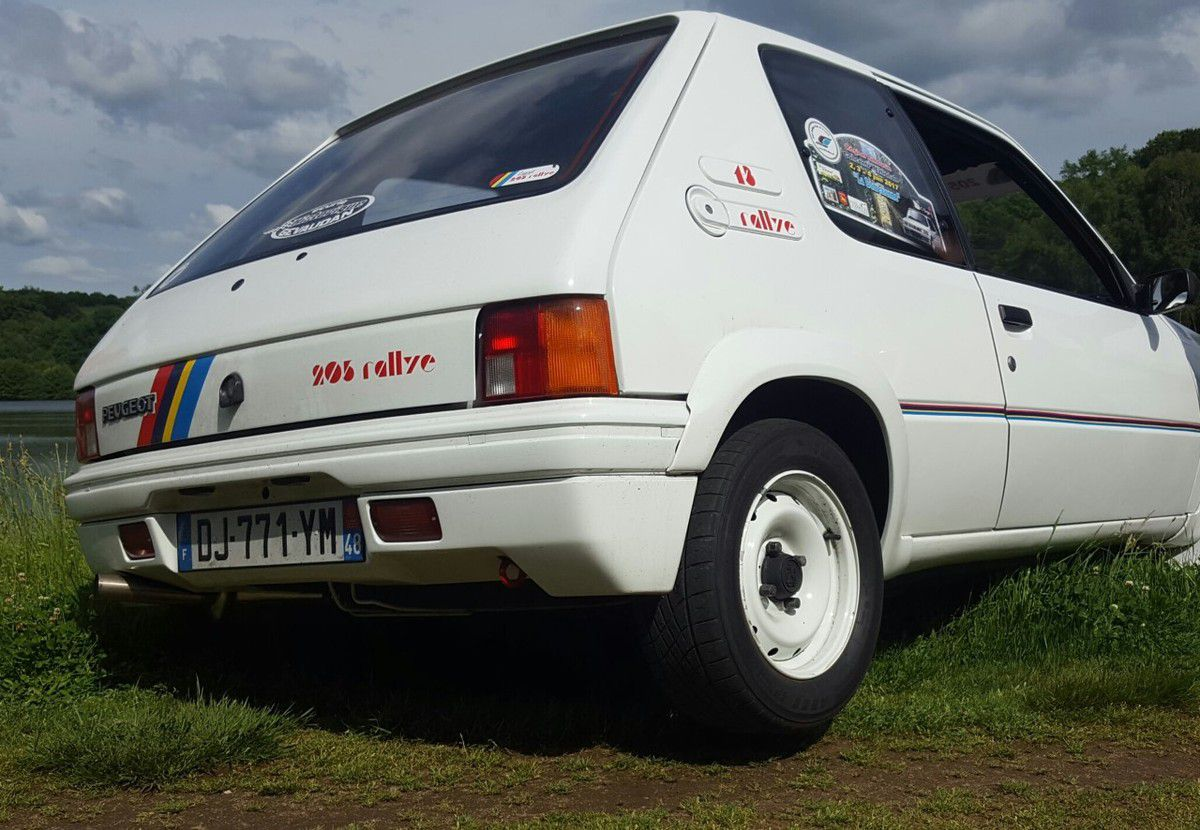 &quot&#x3B;Concentration nationale  205 Rallye Club de France&quot&#x3B; à Vigeois.
