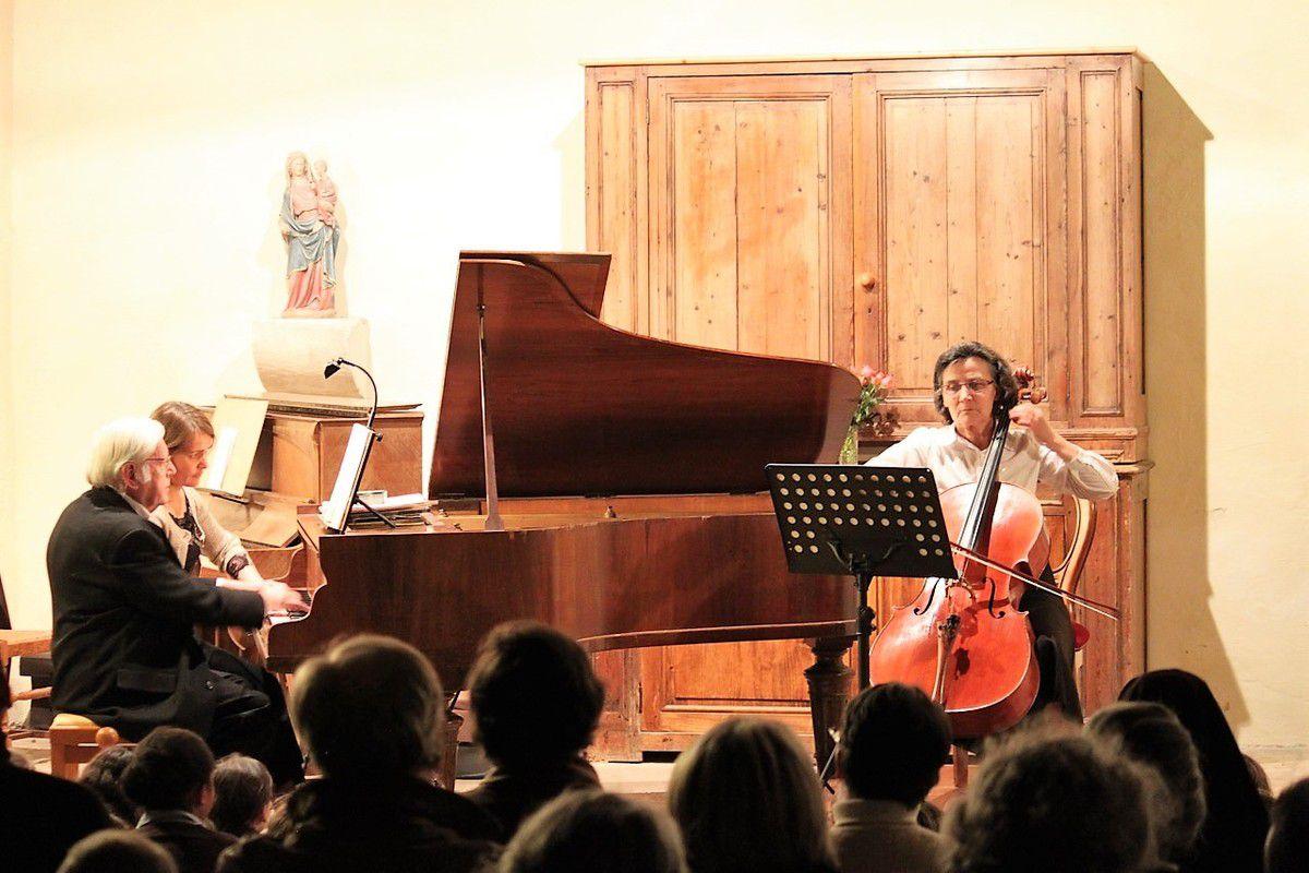 Christian et Claire au piano, Romaine au violoncelle