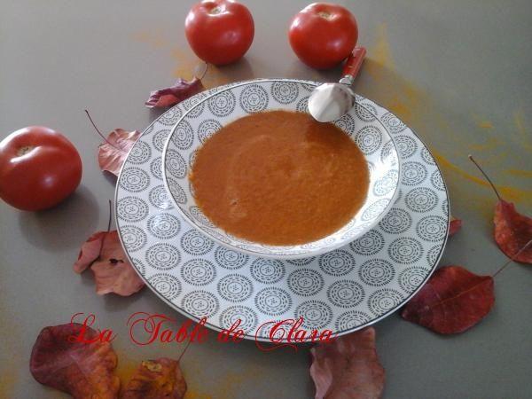 Soupe de tomates aux lentilles et curcuma
