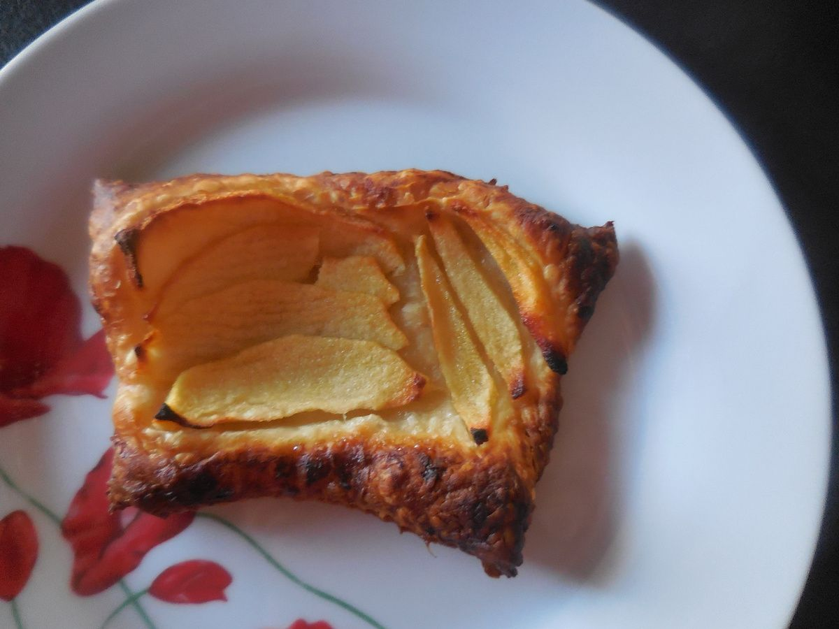 http://cordonrose.over-blog.com/2016/06/feuilletes-chaud-aux-pommes-thermomix.html