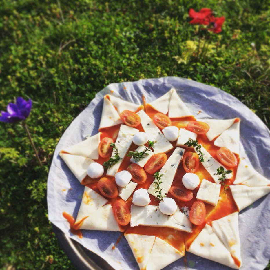 Pizza étoile gorgonzola et mozzarella