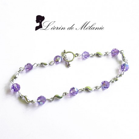 Le bracelet Philomène en perles de swarovski violette. 11€