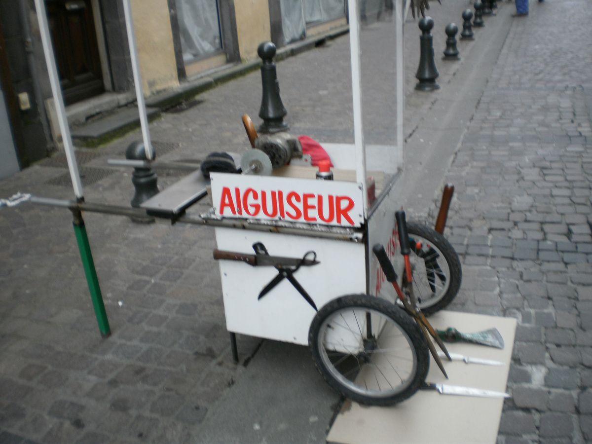 AIGUISEUR / RÉMOULEUR......