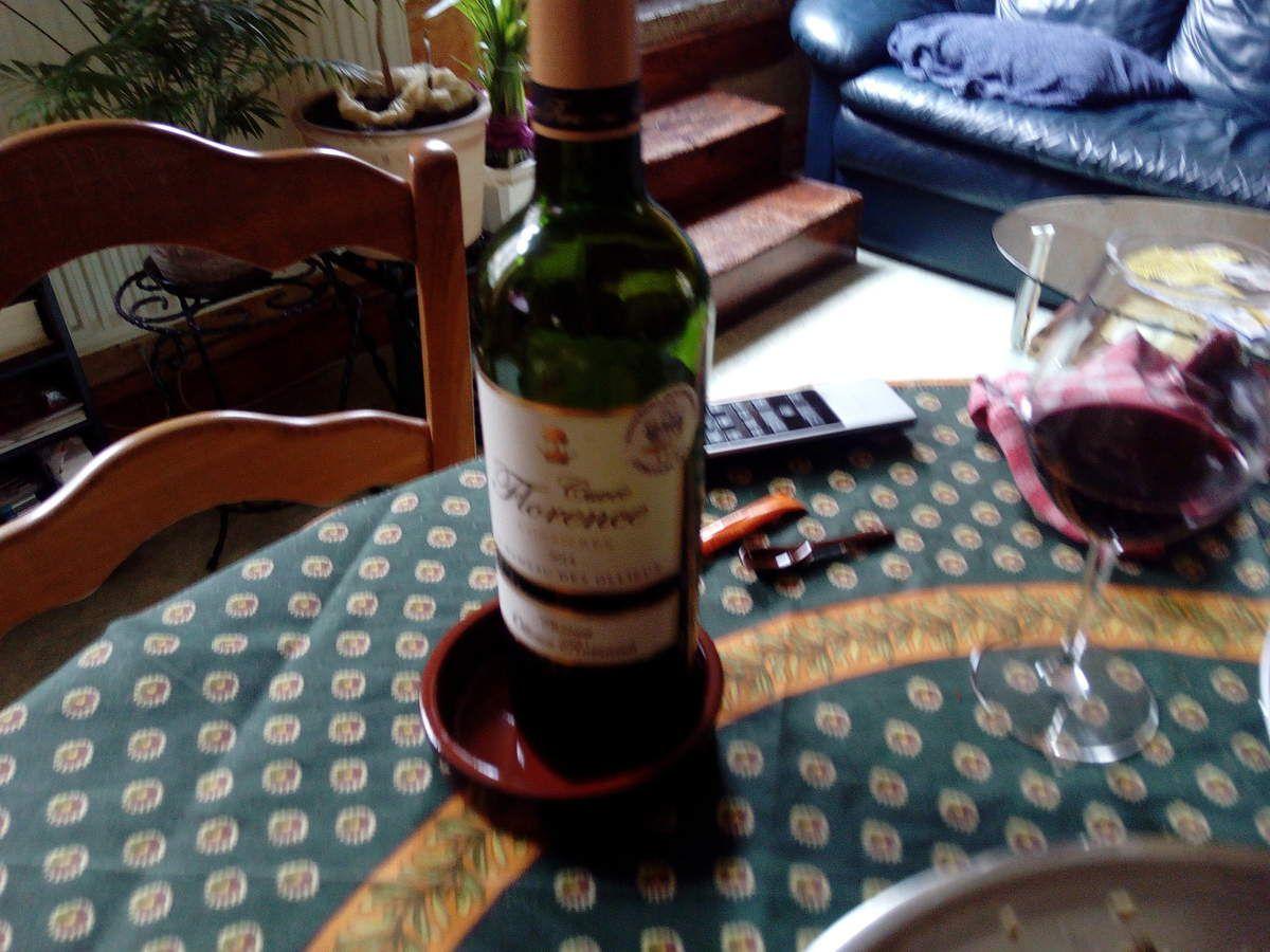 observez le nom sur la bouteille...