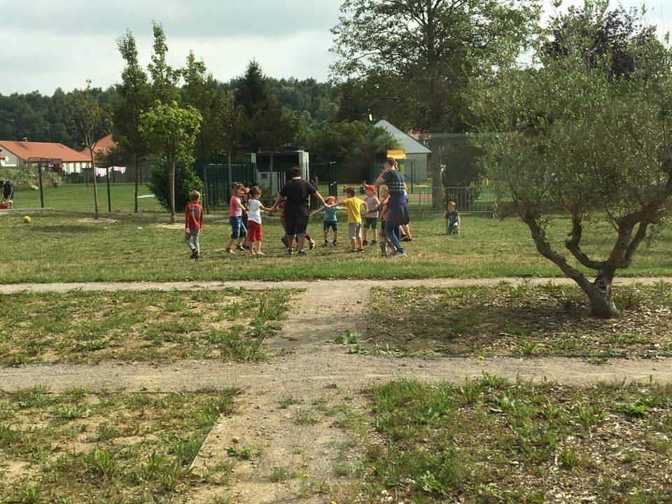 Troc patate dans la cité du Bois Duriez, création de boîtes à souvenir, jeux extérieur