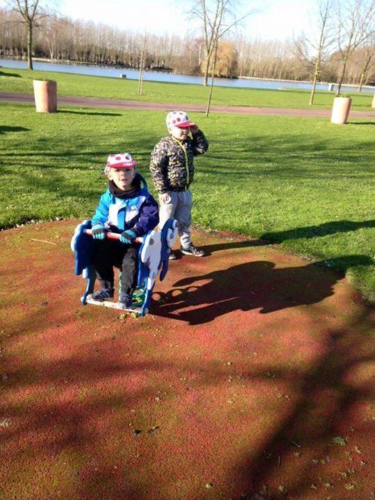 Par ce beau soleil aujourd'hui Parc Anne Franck pour les 5-6