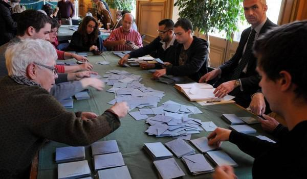 Le dépouillement de l'élection présidentielle de 2012 à Tours
