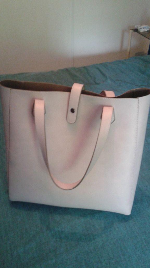 TAG&#x3B; QU'est ce qu'il a dans mon sac