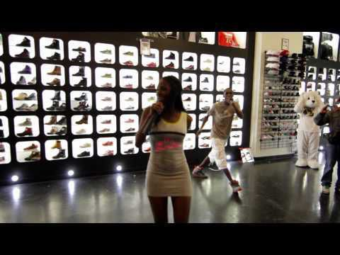 Shoe website jordan basketball celebrity kobe Bryant going Paris, france ,