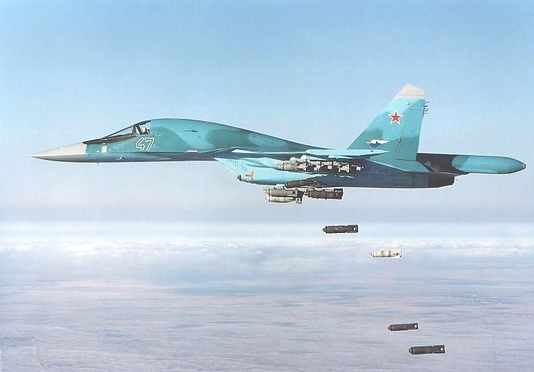 Le bombardier tactique Su-34 remplace les Su-24.
