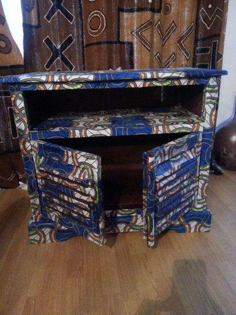 Du tissu wax pour la d coration d 39 un meuble zeta wax for Meuble africain