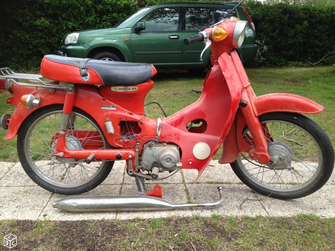 Un C50 tout rouge dans le Calvados