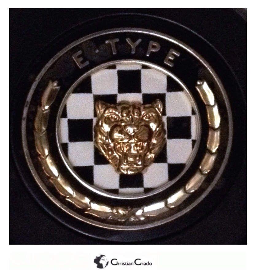 Photographie - Logo Jante Jaguar Type E