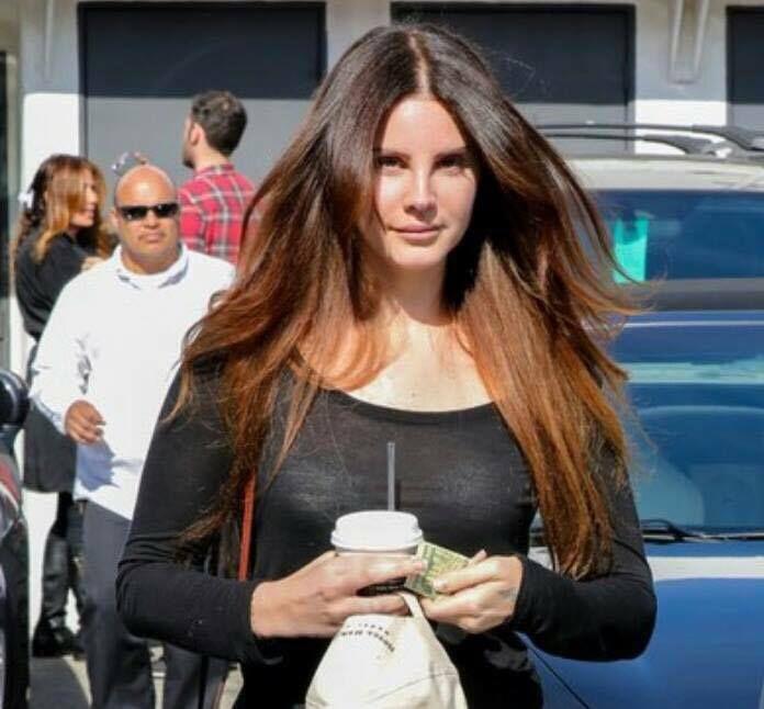 Lana Del Rey aperçue à Beverly Hills (01/02/2017)
