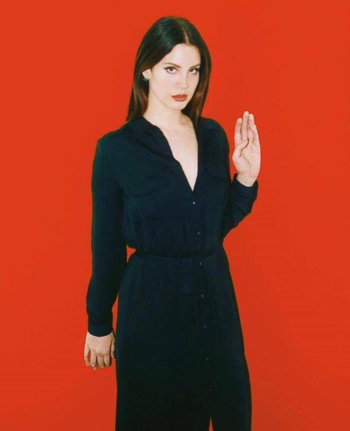 Lana Del Rey s'improvise sorcière
