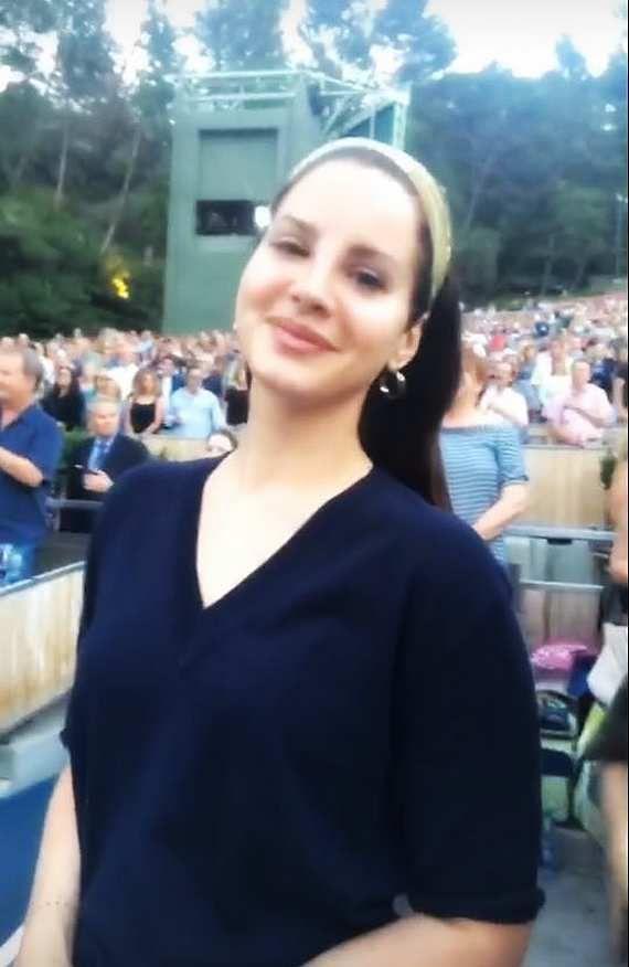 Lana Del Rey dans le public du Super Bowl (17/06/2017)