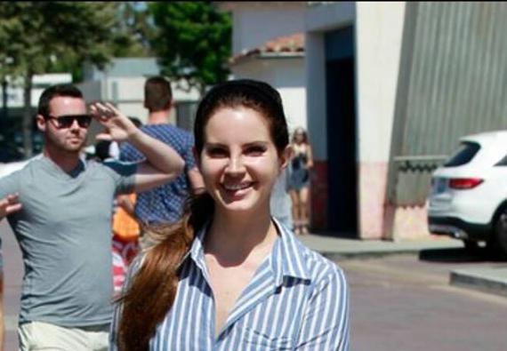 Lana Del Rey aperçue à Los Angeles (04/07/2017)