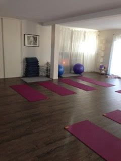 salle de yoga le fil du yoga fabienne costa. Black Bedroom Furniture Sets. Home Design Ideas