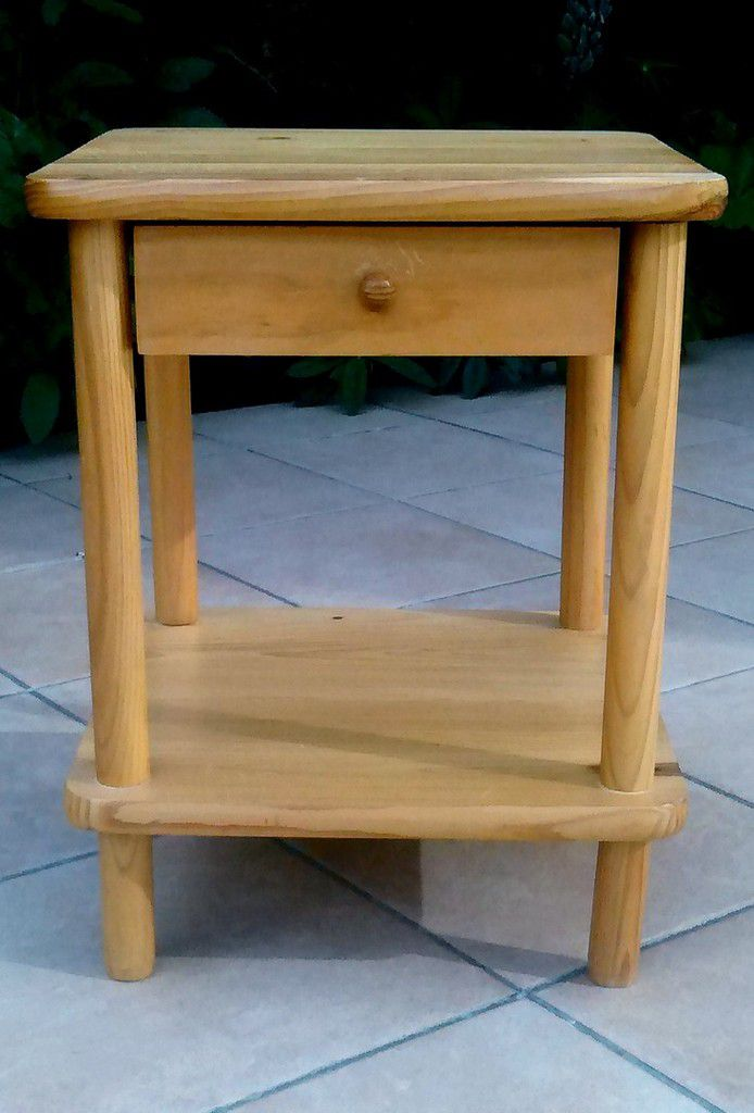 Relooker Une Table De Chevet En Bois Top Repeindre Une Table En