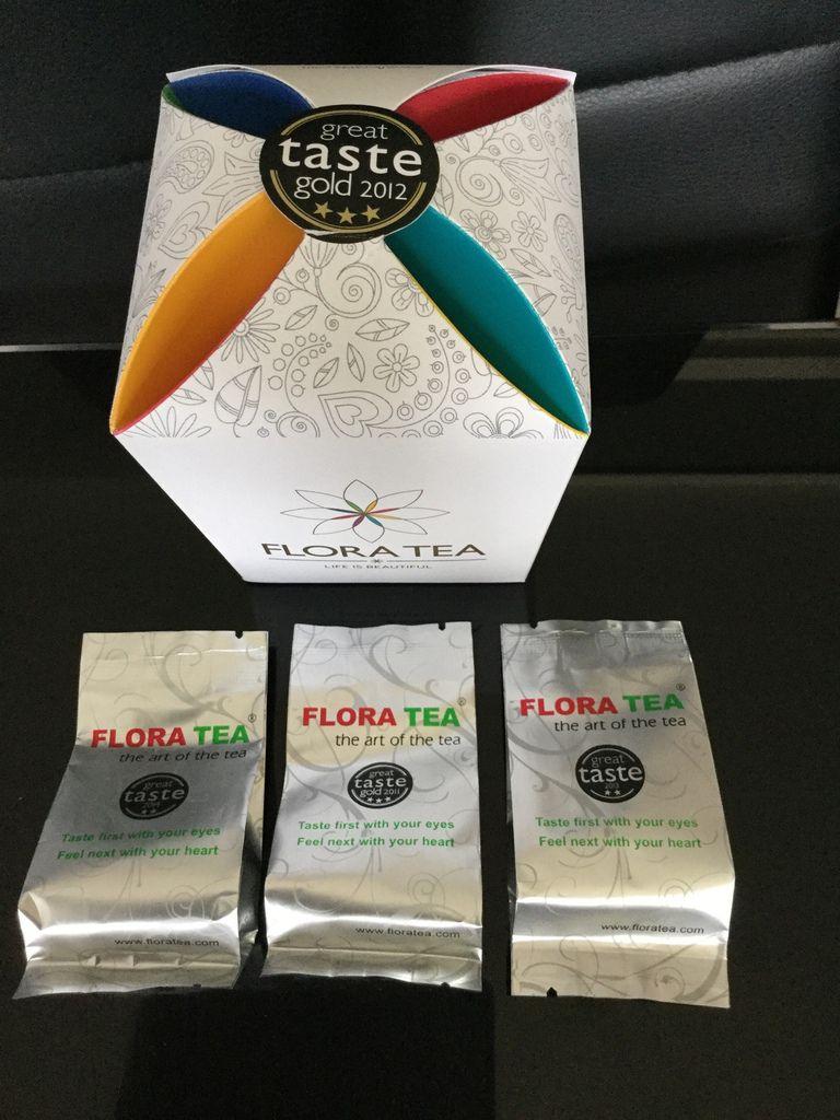 Le thé est soigneusement emballé