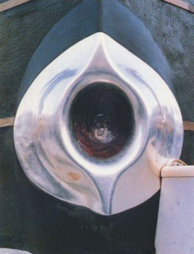 FEW TIPS TO KISS HAJR-E-ASWAD IN HUGE CROWD