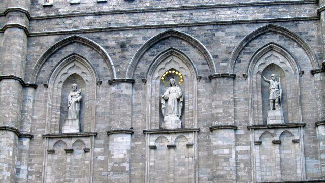 Petit tour de la place d'armes, et la statue de Maisonneuve