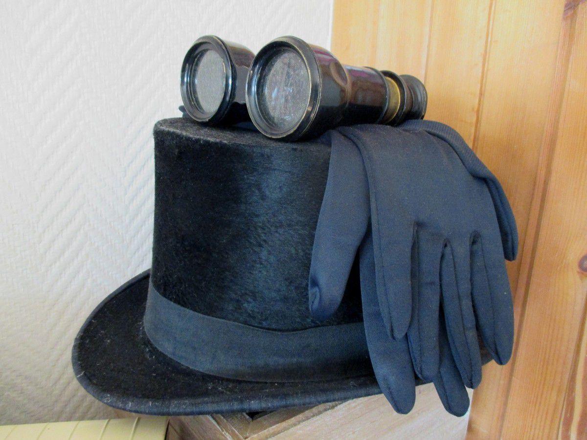 Quel plaisir de préparer costumes, chapeaux et accessoires victoriens pour monter sur la loco le 26 juin !