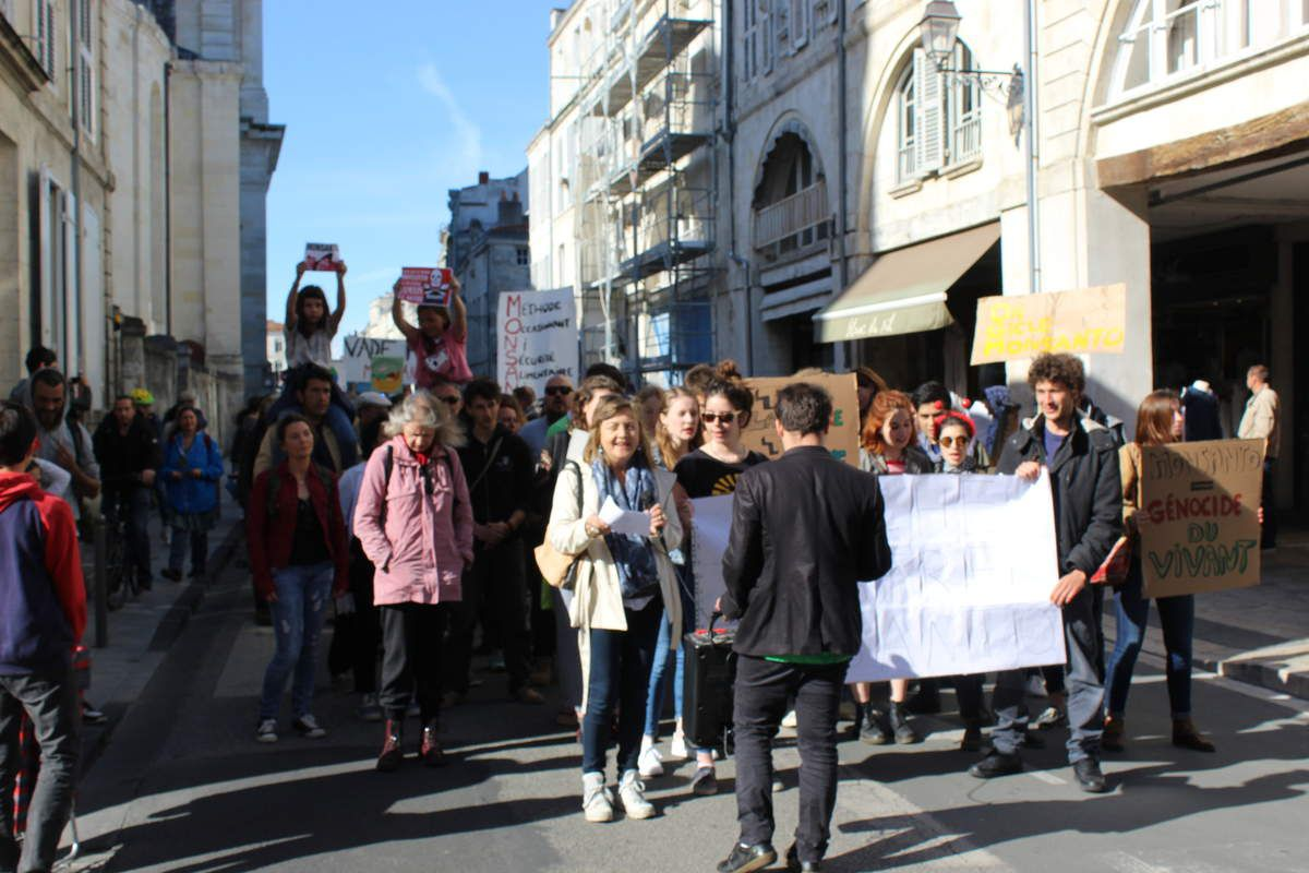 manif contre monsanto la rochelle 20 mai 2017 liane roi. Black Bedroom Furniture Sets. Home Design Ideas