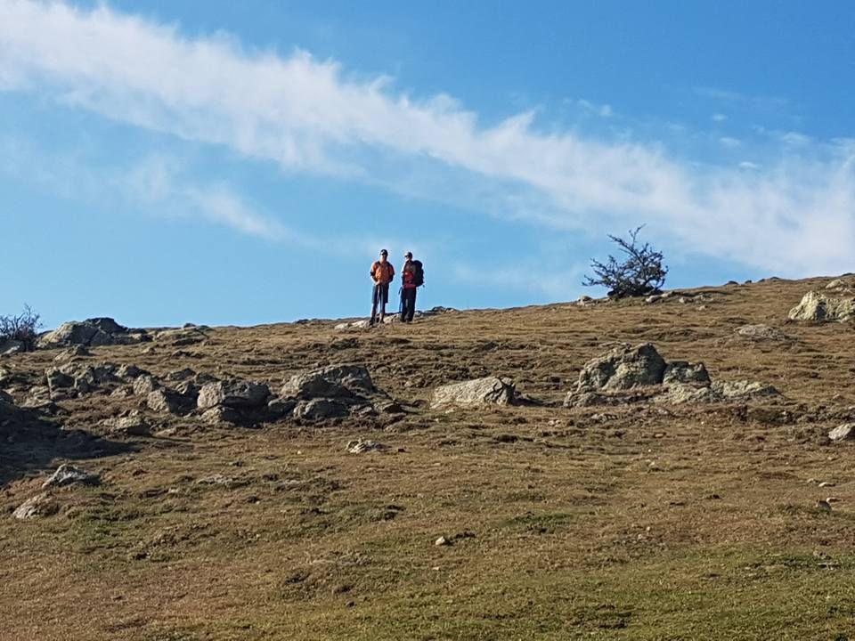 Une rando performance longue qui part du col de l Ouillat pour arriver en bord de mer a Banyuls sur Mer . Sans difficulté dans les montées par contre la descente a partir du sall fort est éprouvante !! Caillasses rochers effiles et descente en pente raide , bâtons obligatoires . Temps tres changeant petit vent une journee au top mais fatiguantes dans le dernier tiers Voila un record a été battu 24 km et 8h35 de marche et ce dénivelle négatif le plus long effectue !!