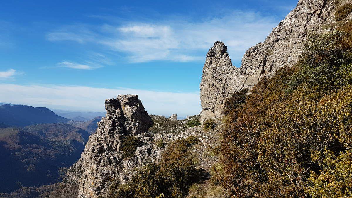 - BUGARACH CA ARRACHE LE RETOUR - 20-11-2016 * * *