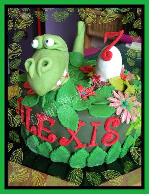 Gateau dinosaure pour les 7 ans d'Alexis (juin 2016)