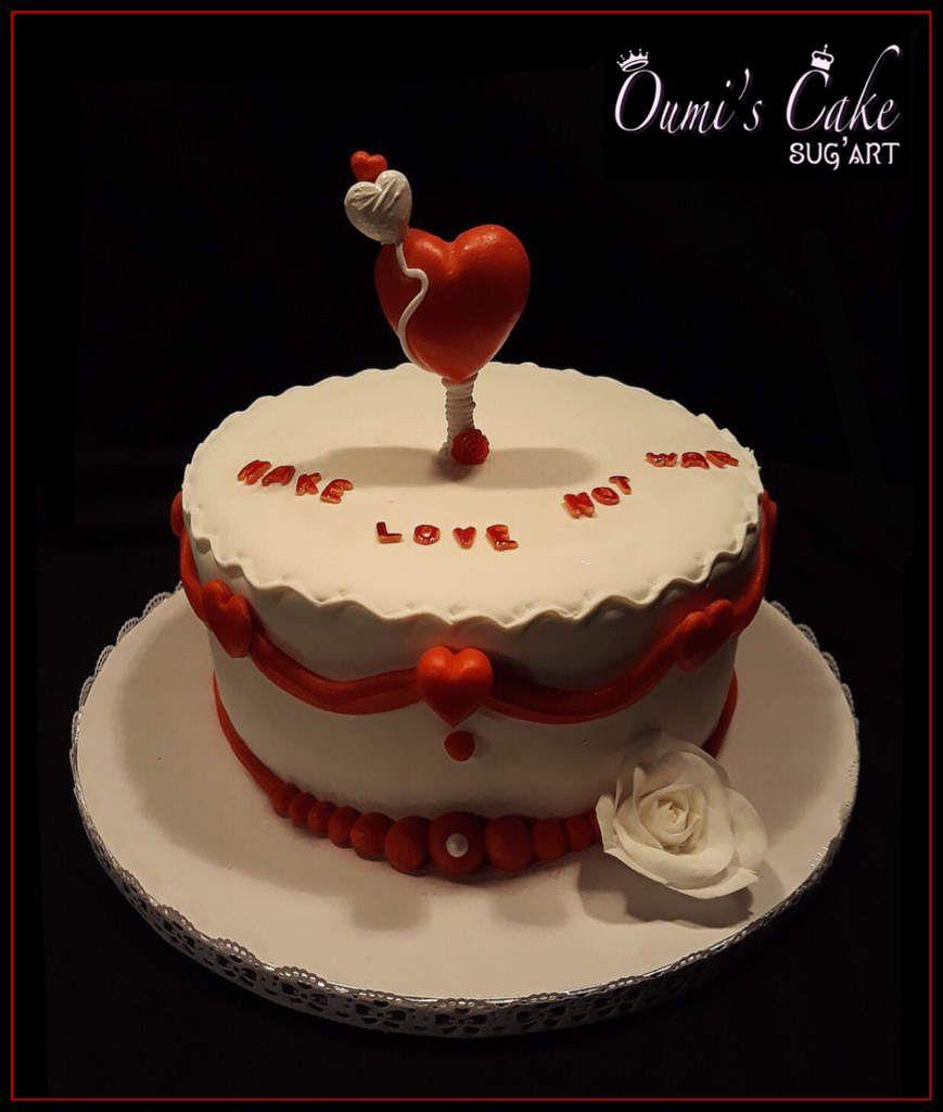 ♥️ Gateau « Make Love Not War » ♥️  En rouge et blanc: fidélité et passion, pureté et sang...  Génoise vanille, ganache chocolat noir - Modelage fait main, entièrement comestible