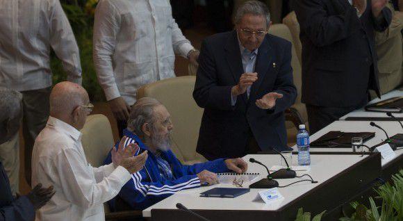 Cuba : Discours du leader de la Révolution Cubaine Fidel Castro Ruz, à la clôture du 7° Congrès du PCC