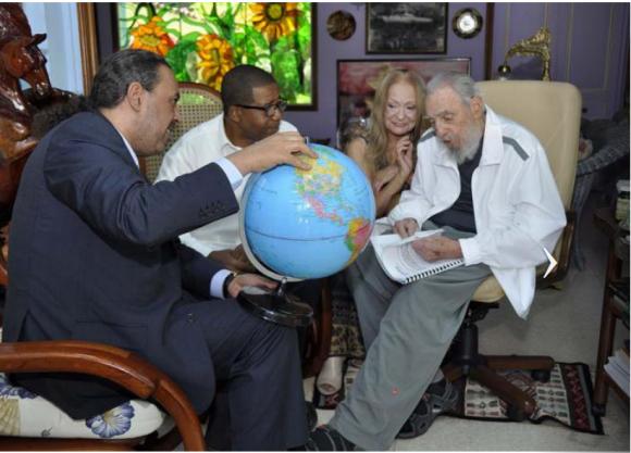 Cuba: Fidel a reçu Son Altesse Royale le Prince Ahmad Al-Fahad Al-Sabah, président de l'Association des Comités nationaux olympiques (ACNO)