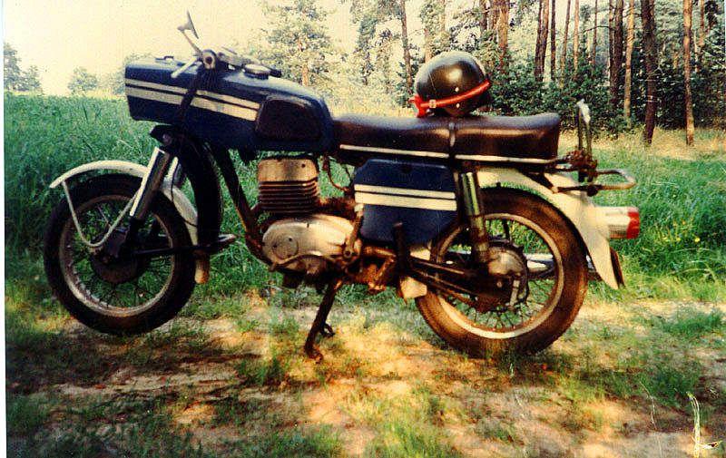175 MZ acheté en 84 à Eisenhuttenstadt (DDR)