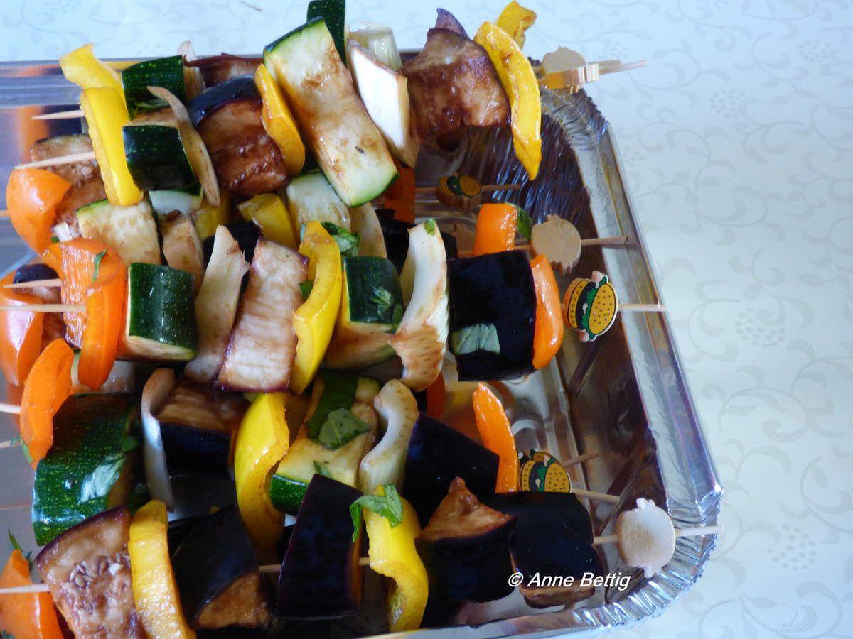 Mixed grill et brochettes de légumes marinés