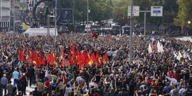 Un rassemblement pour montrer le mécontentement des Turcs envers l'Etat.