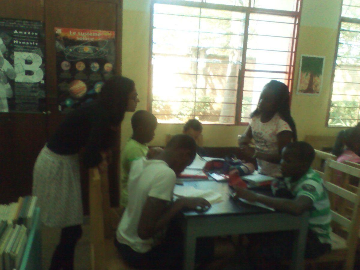 La  classe de 6ème a gagné face à la classe de CM2.Les élèves des deux classes étaient très contents. .