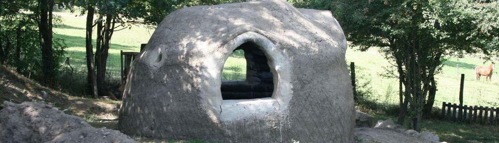 Maisons en sacs de terre dans le monde superadobe france - Construire une maison en terre ...