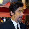 Josh Hutcherson et Benicio Del Toro sur les Champs-Élysées pour l'avant-première de Paradise Lost !