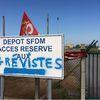 Les salariés des raffineries reconduisent leur grève...