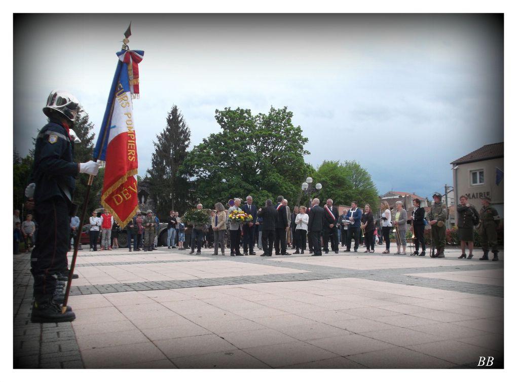 Corny-sur-Moselle 70 ème anniversaire de l'Armistice le 8 mai 2015