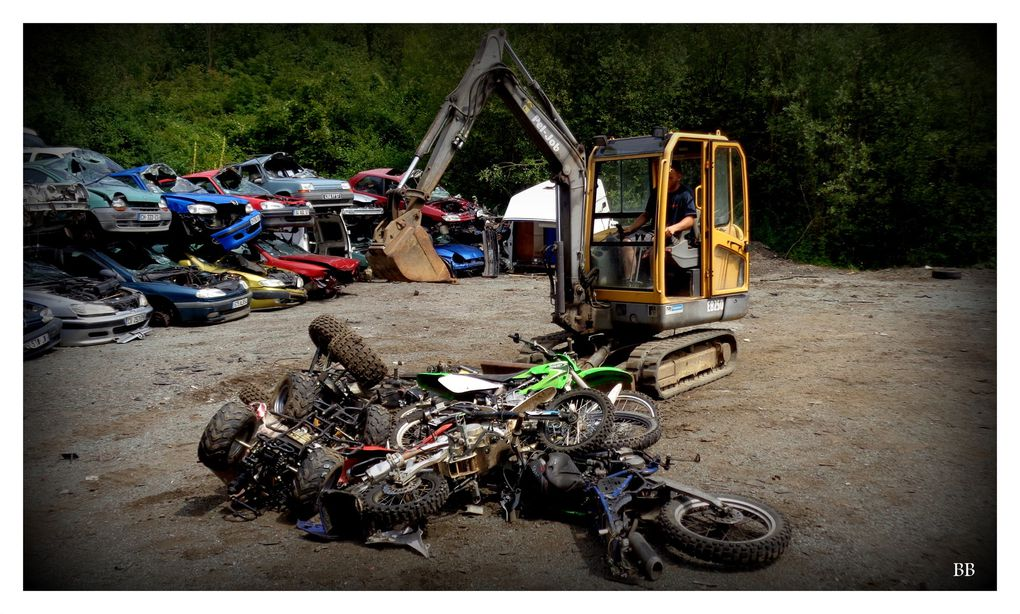 Metz Destruction de 27 quads et mini-motos non homologués