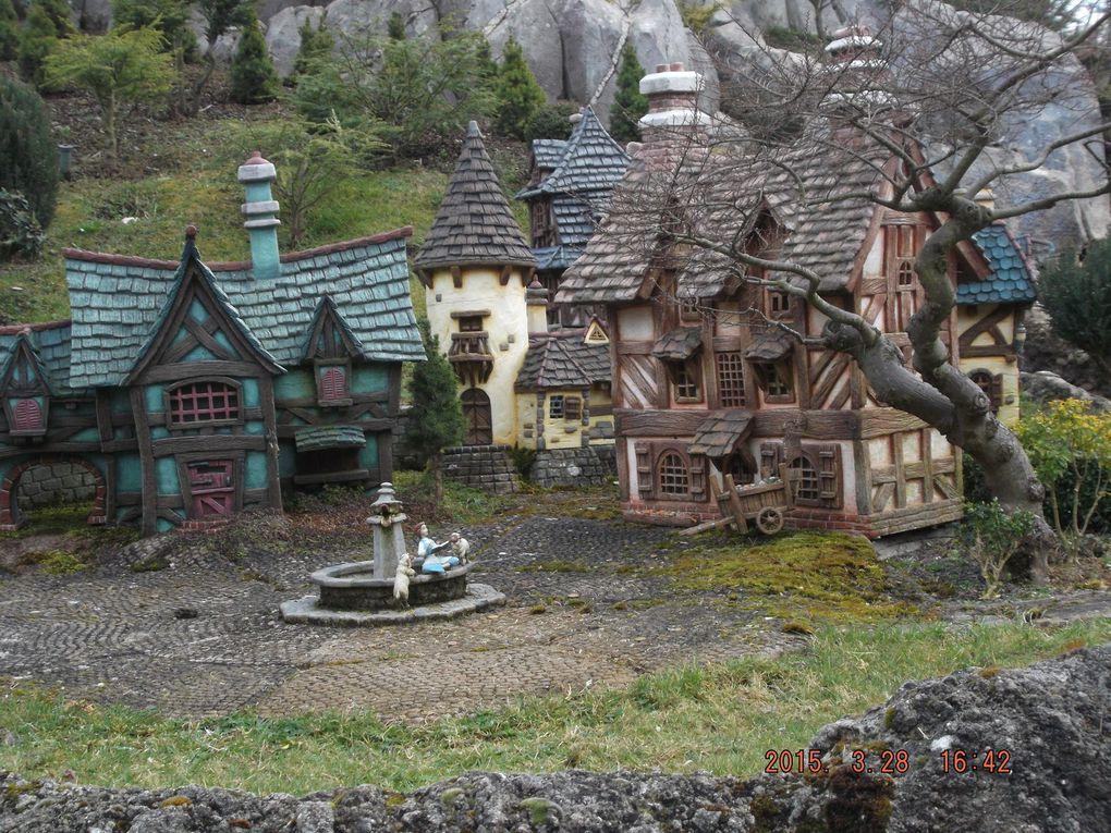 la croisière des contes de fées : hanzel & grettel, Pierre& le loup, La Belle & la Bête, le Magicien dOz ...n